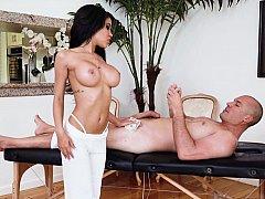 Oily Latina masseuse fucks her client